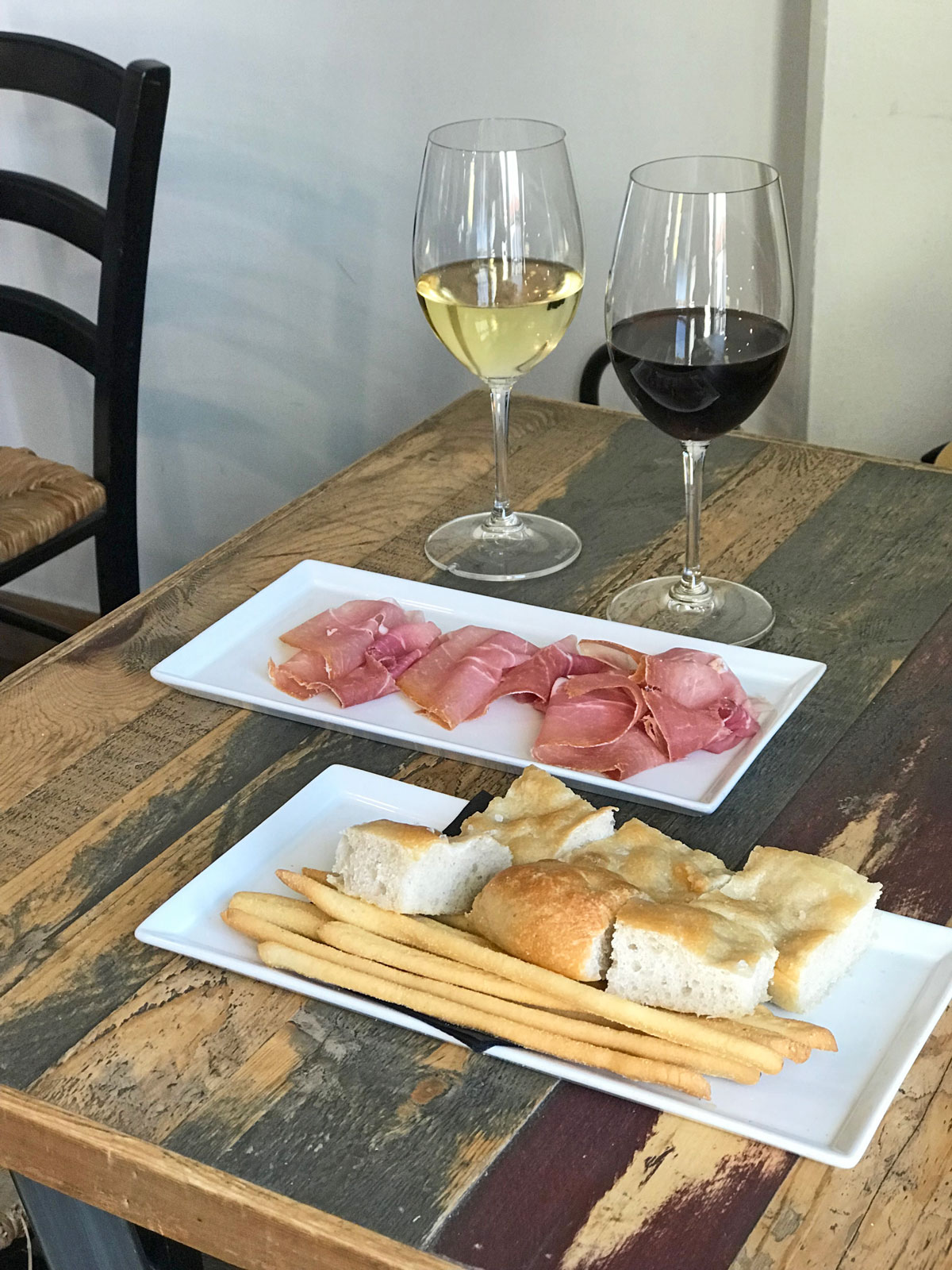 Cured ham from Cuneo to go with a glass of wine